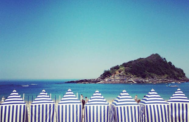 Playa ondarreta en san sebasti n 25 opiniones y 28 fotos - Toldos para la playa ...
