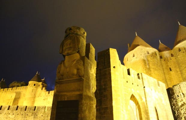 Lady Carcas Statue