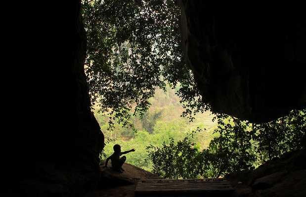 Tham Pha Tok Cave