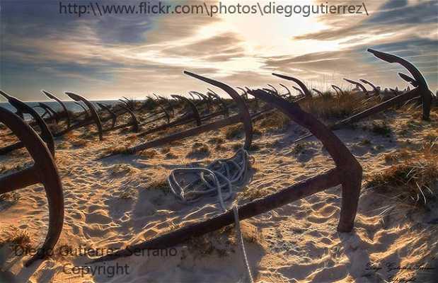 Cementerio de las Anclas - Praia do Barril