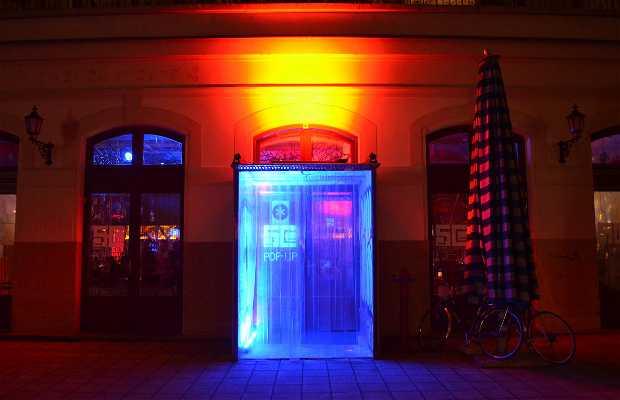 ESCé Pop-up Art Bar