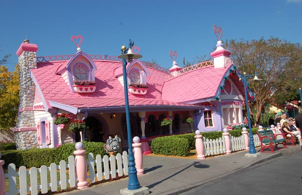 Minnie's Country House, Disney