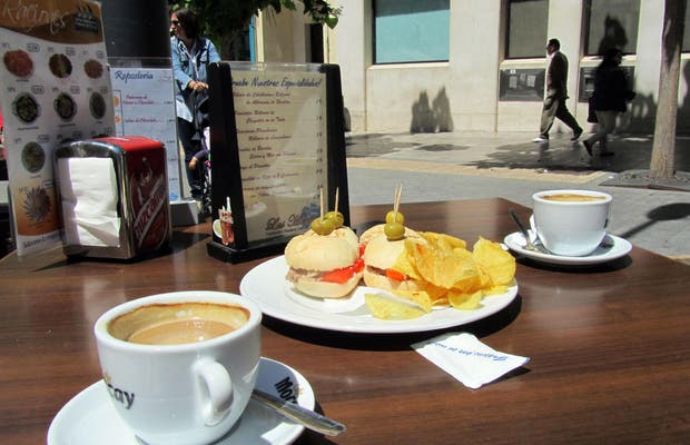 Plaza de Las Monjas cafe