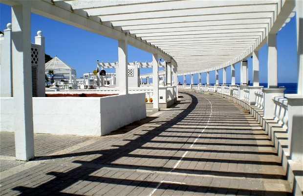Paseo Marítimo de Torviscas