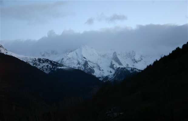 Peaks of beret