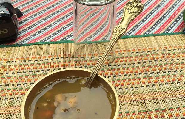 Déjeuner dans une famille de Patan