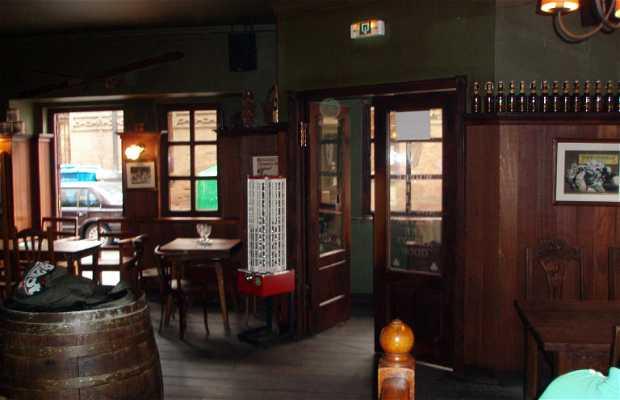 The Irish Pub Braningan's Corner