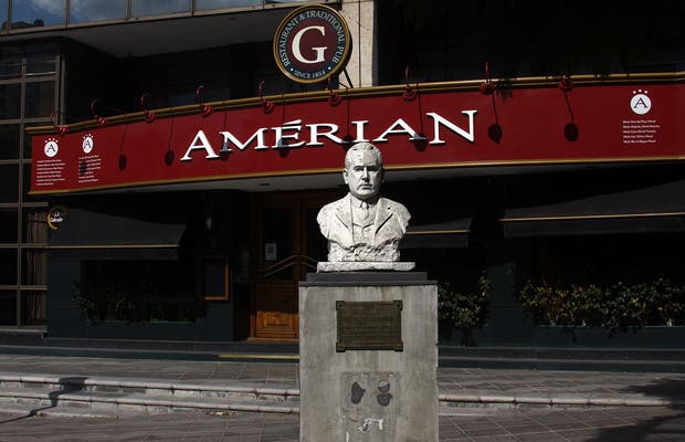 Amerian Golden Restaurant & Traditional Pub