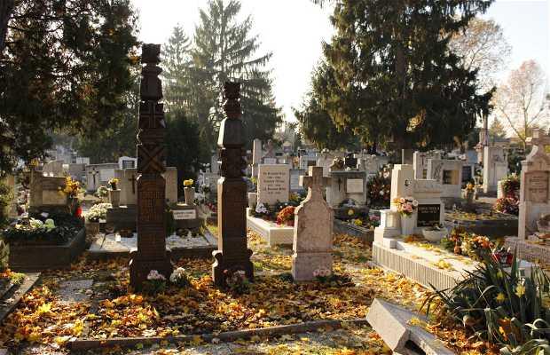 Cementerio de la Calle Almási