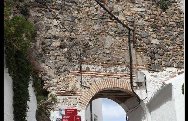 Castillo Y Muralla árabe