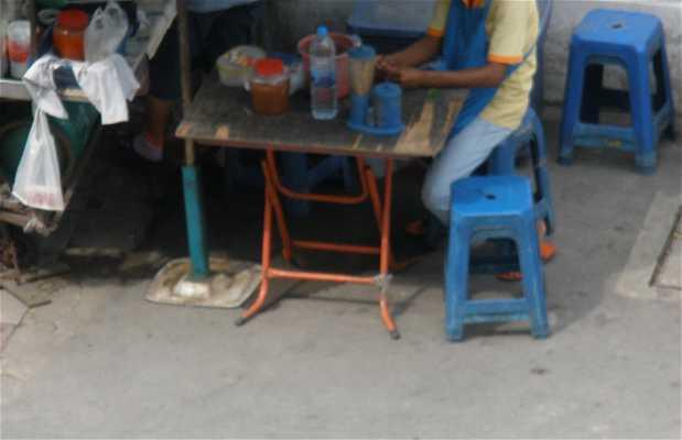 Stands de nourriture dans la rue de Bangkok