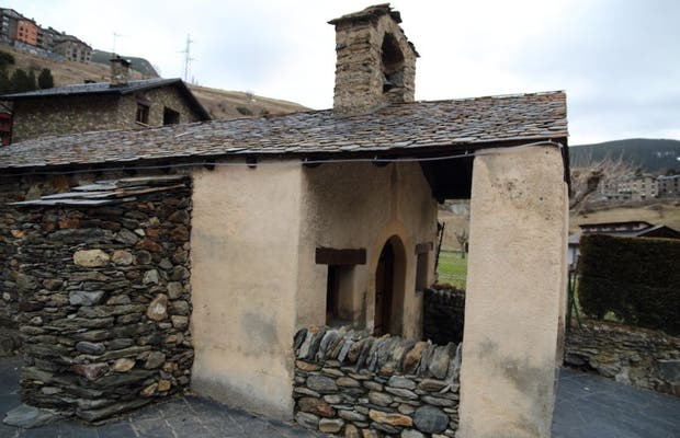 Iglesia de la Santa Cruz de Canillo
