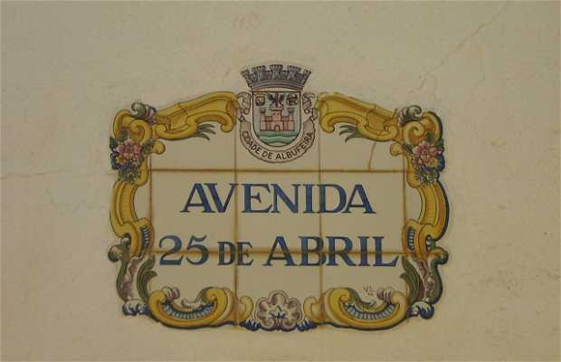Avenida 25 de Abril