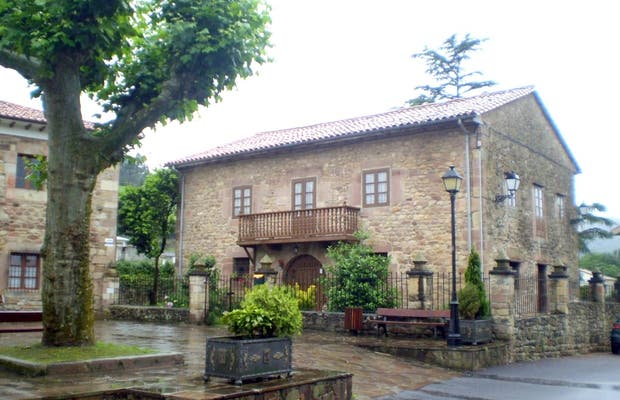 Plaza - Barrio Paramenes