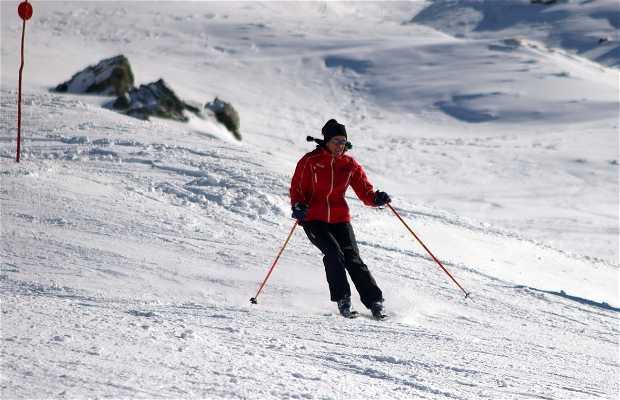 Skier en Sierra Nevada