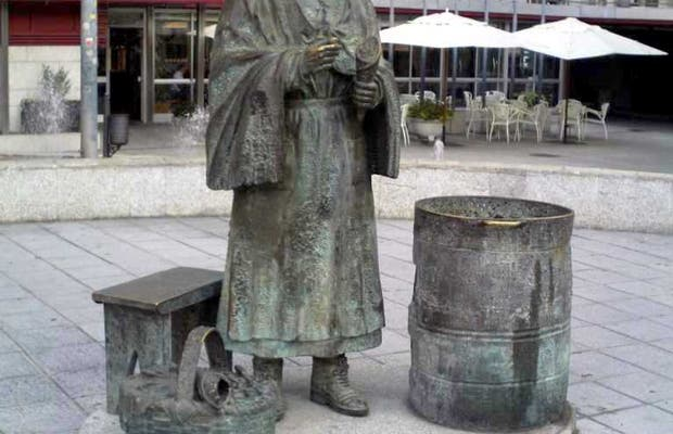 Monumento alla Castañera di Orense
