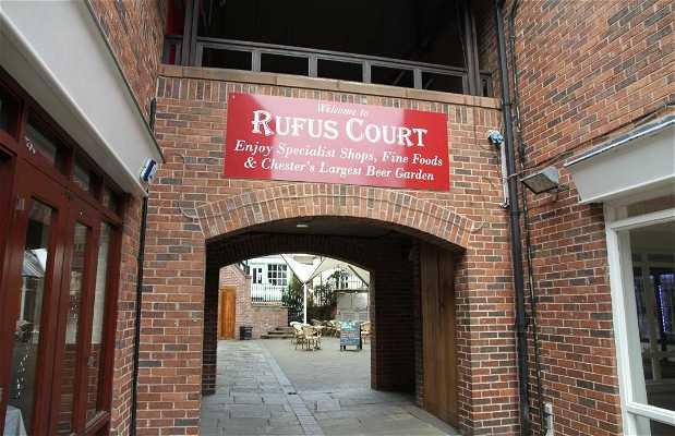Rufus Court