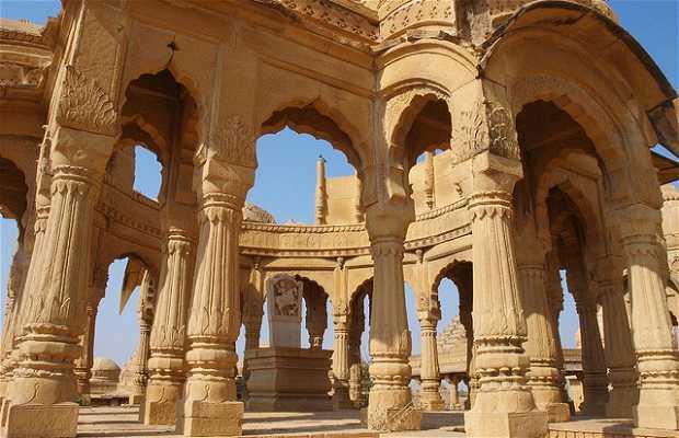 Cenotafios de Bada Bagh