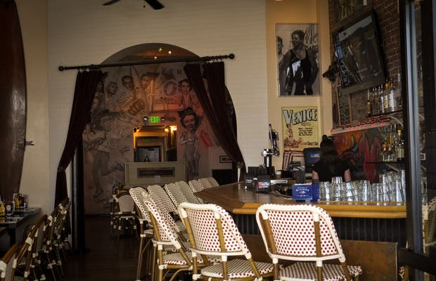 Dannys Restaurant Bar Venice