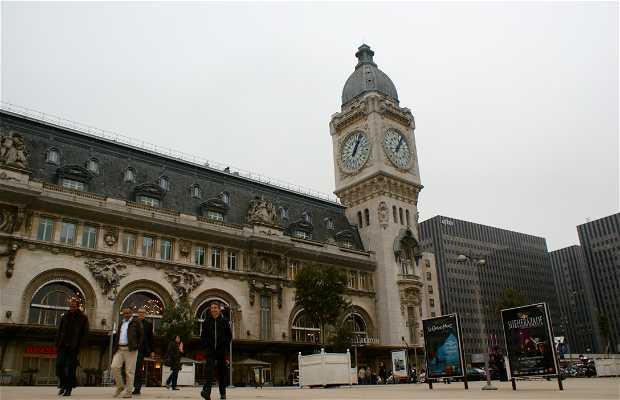 Lyon Station