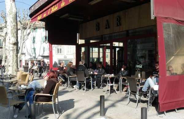 Caf de l 39 hotel de ville en salon de provence 1 opiniones - Caf salon de provence ...