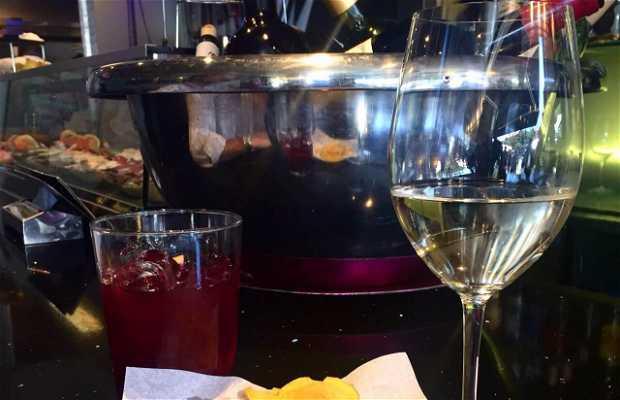 La vinoteca en pozuelo de alarc n 3 opiniones y 2 fotos - Fotos de vinotecas ...