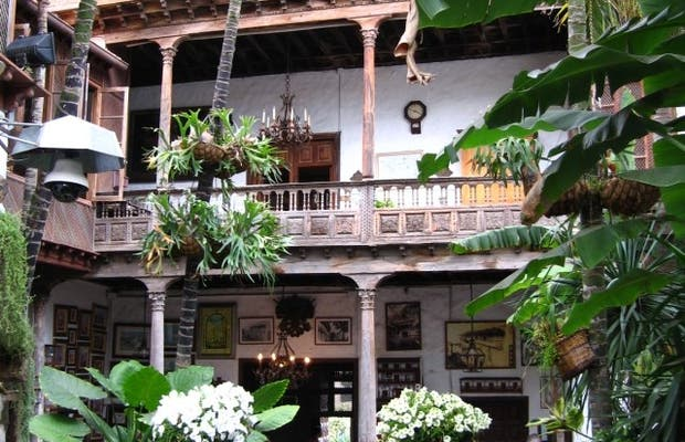 Casa de los Balcones (House of the Balconies)