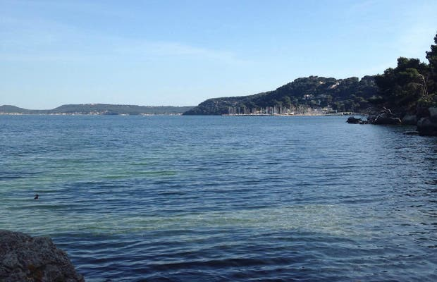 Playa del estanque de Berre