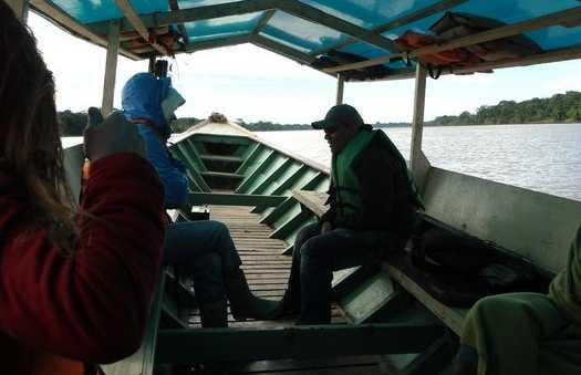 Les embarcations sur le rio Madre de Dios