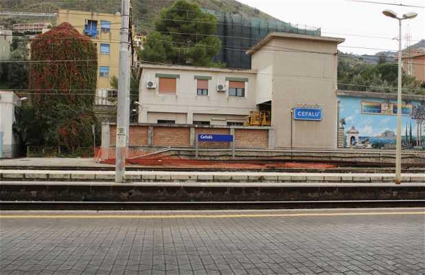 Station de train de Cefalu