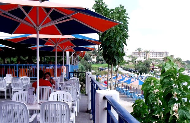 Restaurante Arapis Coral Bay