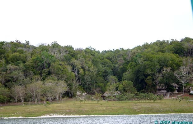 Laguna de Yaxhá