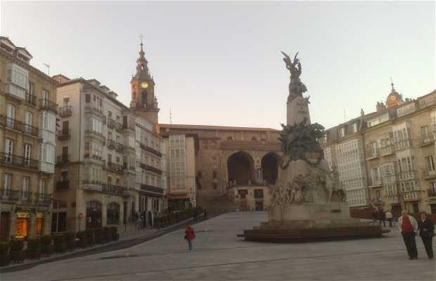 Plaza de la Virgen Blanca a Vitoria