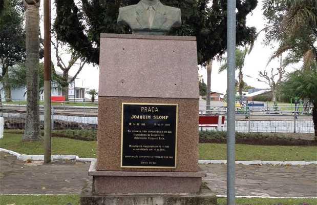 Monumento à Joaquim Slomp
