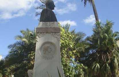 Monumento al Marchese di Guadiaro a Malaga