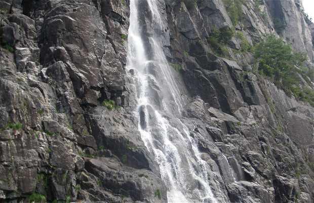 Cachoeira Hengjanefossen