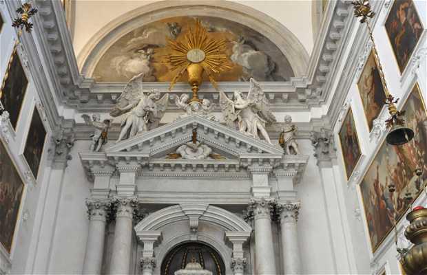 San Stae Church