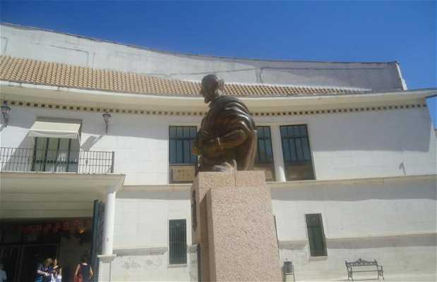 Busto de Luis Barahona