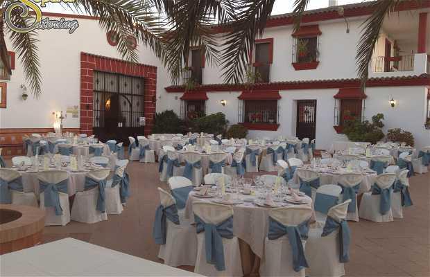 Villa araceli sal n de celebraciones en tomares 1 - Spa de sevilla ...