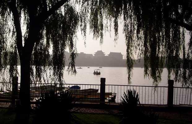 Laguna en el centro de Pekin