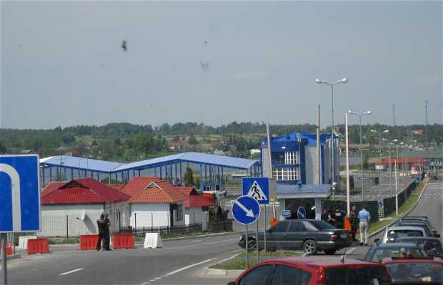 Frontera Polonia - Ucrania, cruzando por Korczowa, carretera M-10