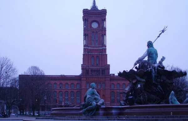Il Rotes Rathaus a Berlino