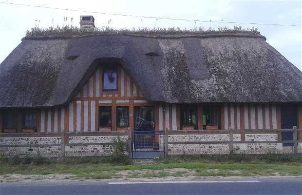 Captivante Maison En Toit De Chaume Normandie