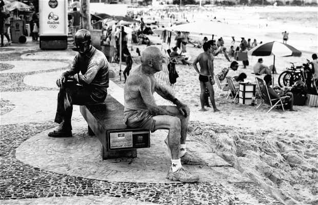 Estátua De Carlos Drummond De Andrade