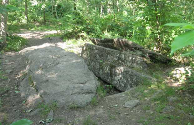 Tumba de los Gigantes - La roca de la vieja
