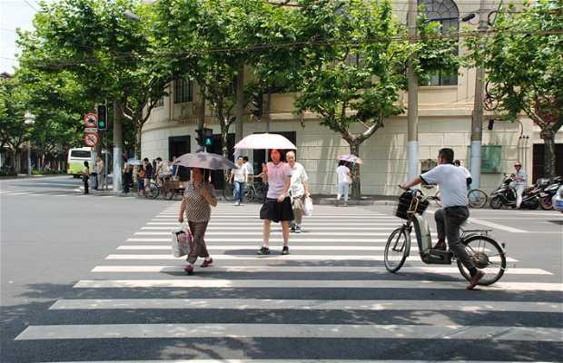 Cruzar la calle en Shanghai