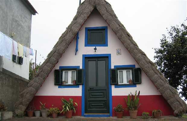 Casas tipicas de madeira, Santana, Portugal