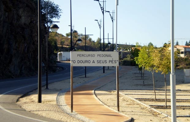"Sendero peatonal ""O Douro a seus pés"""