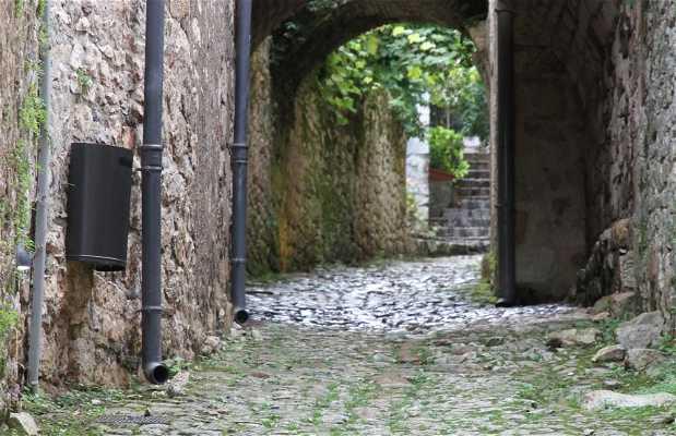 Calle y puerta de La Pélissaria