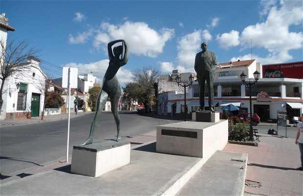 Estatua Juan Carlos Davalos